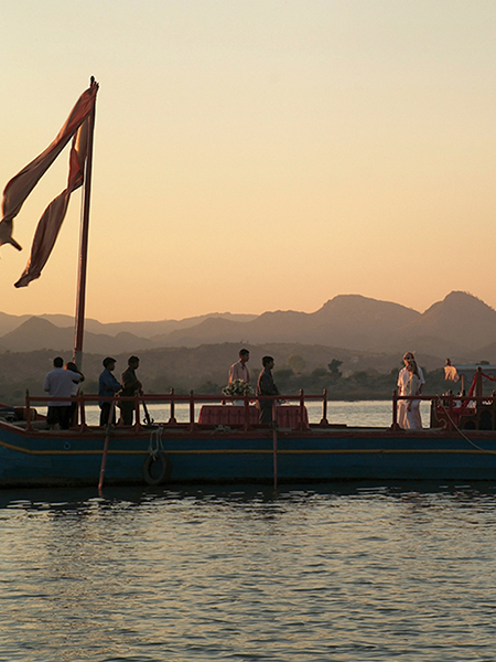 Unique Dining Experience on the Royal Gangaur Boat